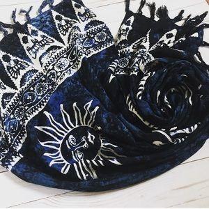 Vintage Koko Knot blue tie dye sun worshiper scarf